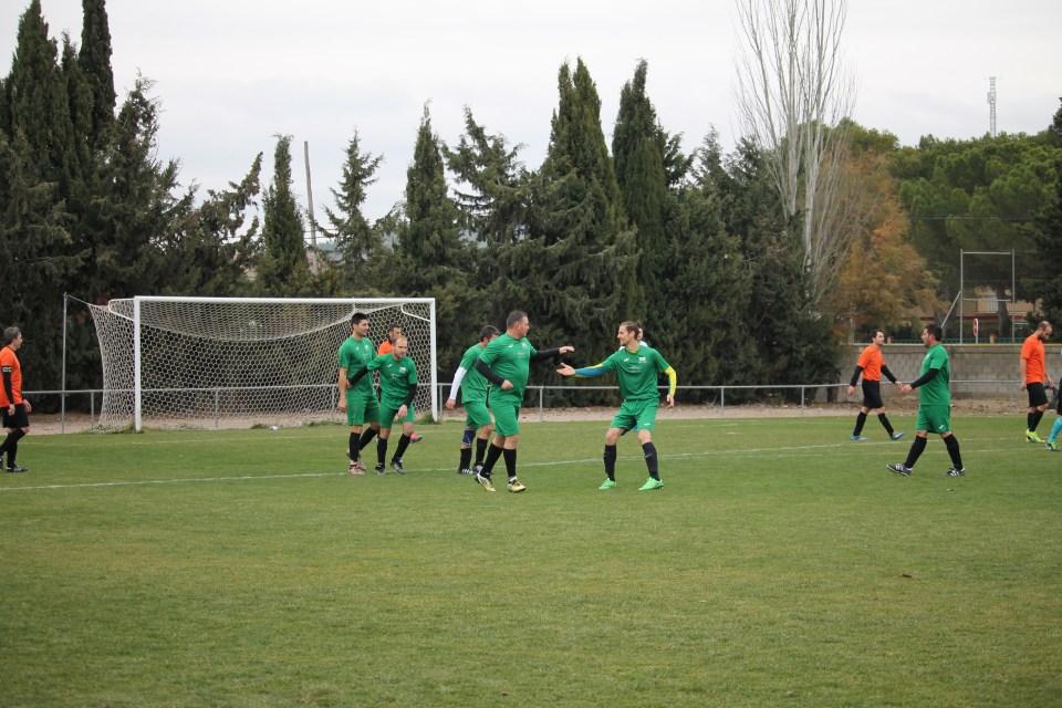FÚTBOL LABORAL. Los jugadores del Intersport Leciñena celebra el 1-0.