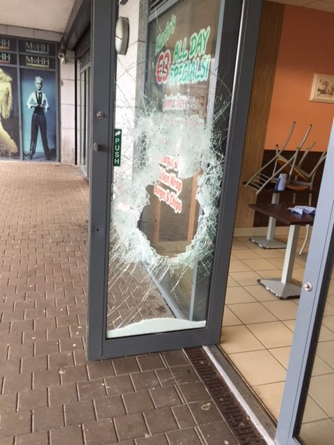 Broken Glass Repair Athlone Windows Call 09064 98494