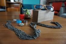 "Collier IKKS - Bague bleue Swarovski / Calvin Klein - vernis OPI ""redlights ahead... where ?"" - broche ancienne - lunettes Santa Cruz - chaussure enfant Stone&Bones"