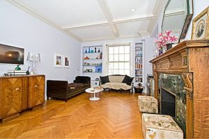 Here is my old apartment in New York City. Same style as the picture above.... 10 years apart. (Photo courtesy of Liz Finkelstein).