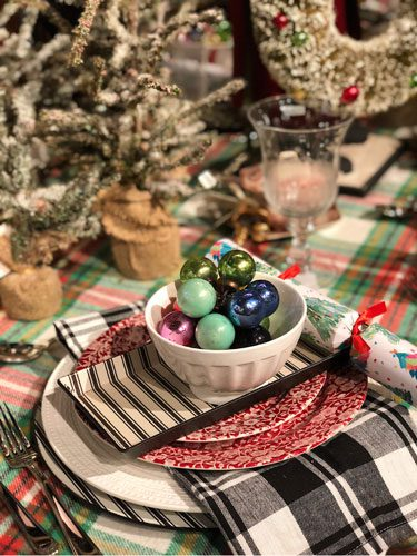 Style at Home: Rad Plaid Holiday Tables