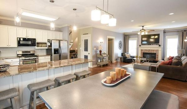 smyrna-ga-craftsman-style-home-in-roswell-street-commons