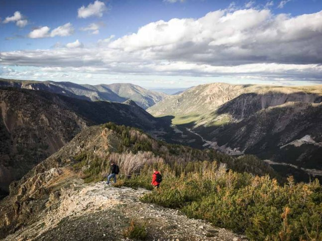 beautiful-images-that-will-make-you-want-to-visit-montanas-absaroka-beartooth-wilderness-athomeonthego.com-travel-blog-28