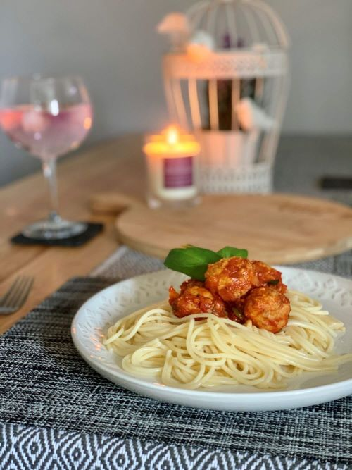 You are currently viewing Simple Spaghetti With Chicken Meatballs
