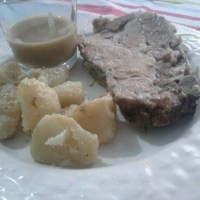 Arrosto di maiale con verdure e salsa gravy \ Roast pork with vegetables and gravy
