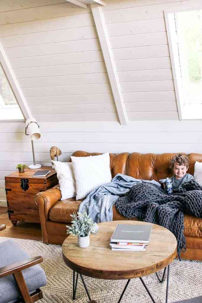 How to get the modern farmhouse look at home with ashley - What is farmhouse style ...