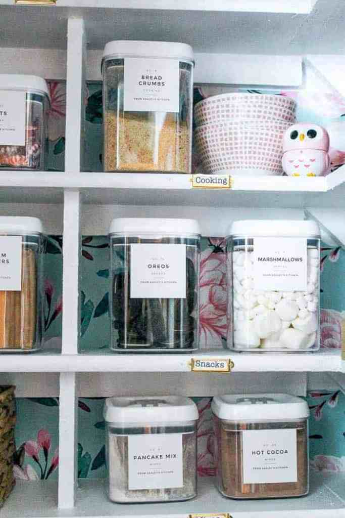 how to organize your pantry in 5 steps. Simple ideas for small spaces in your home. Spend less time looking for things with these organization ideas. Are the shelves in your food storage closet a mess? Follow this tutorial to get it looking Pinterest pretty!