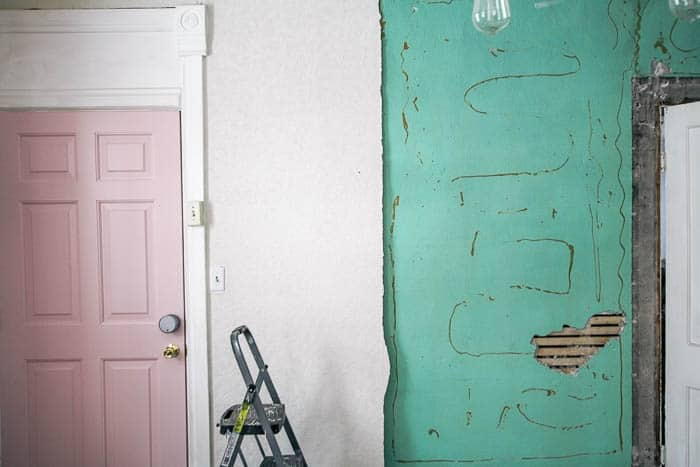 Lath and plaster vs drywall- let's talk about the removal process- down to the studs in a historic home. Should you do this or repair the plaster? If you're like me and want to add wallpapers I have some tips for you and things to consider for your house