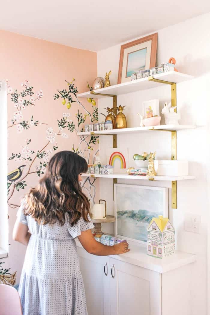 how to start second hand shopping. Thrift store tips. Furniture makeover hacks and home decor finds. How to find antiques online to upcycle. Repurposed finds and what you shouldn't pass up at the thrift shop. Vintage items to inspire you to begin thrift shopping