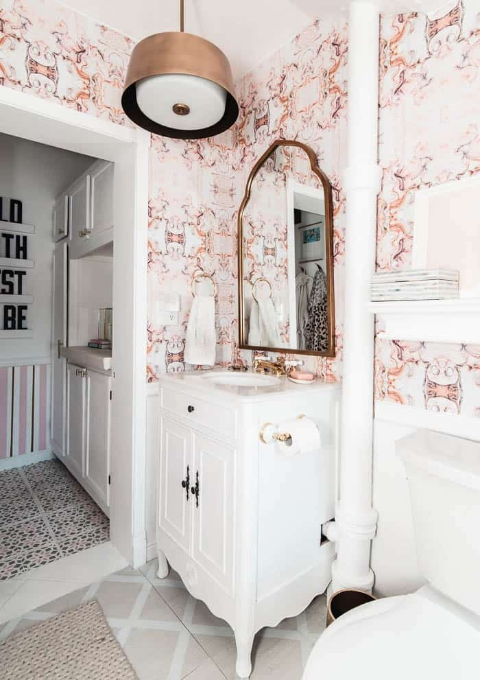 It's only been 2 years since I redid my bathroom. But I noticed that the wallpaper was starting to come down. So that means it's time for a refresh! Check out what I've got up my sleeve for my bathroom plans, plus take a look at all the most adorable bow home decor from around the web!