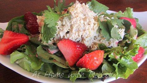 Tuna Salad with Fresh Strawberry Vinaigrette