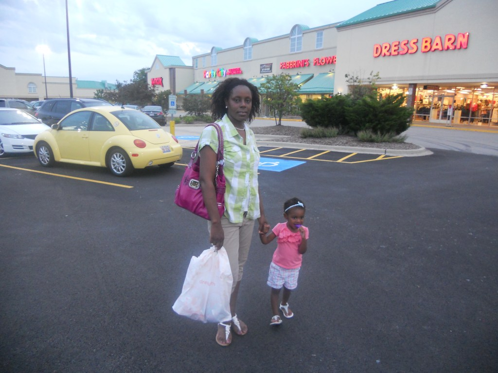 Our Weekend Activities in Review – Mall Play/Shopping/Help Grandma Move