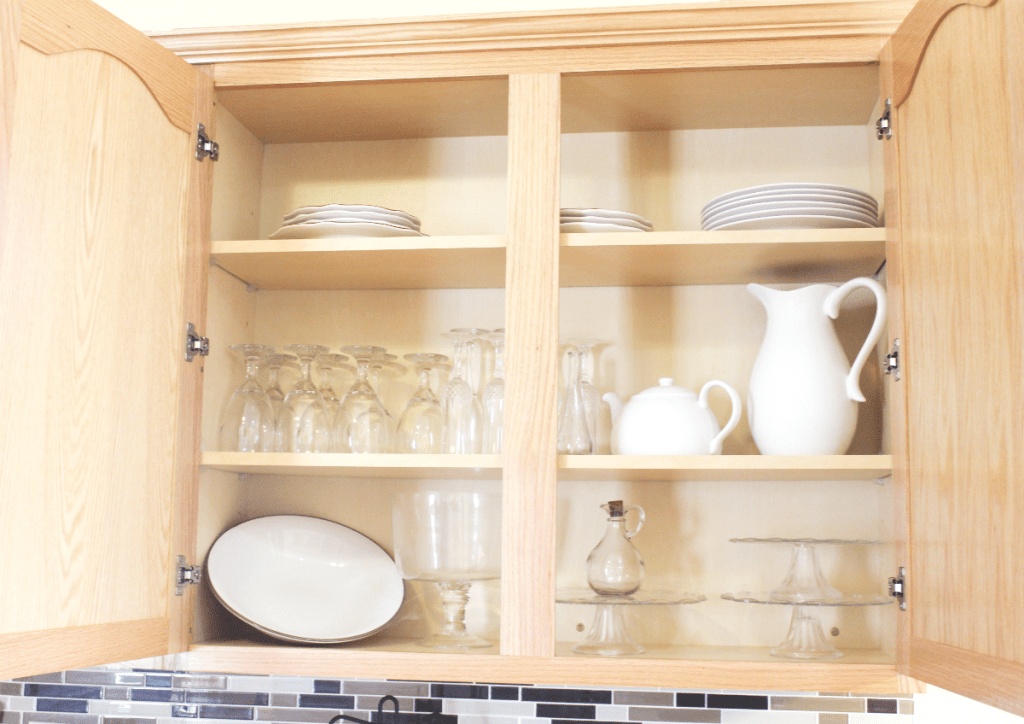 kitchen drawer organization - dishes and glasses