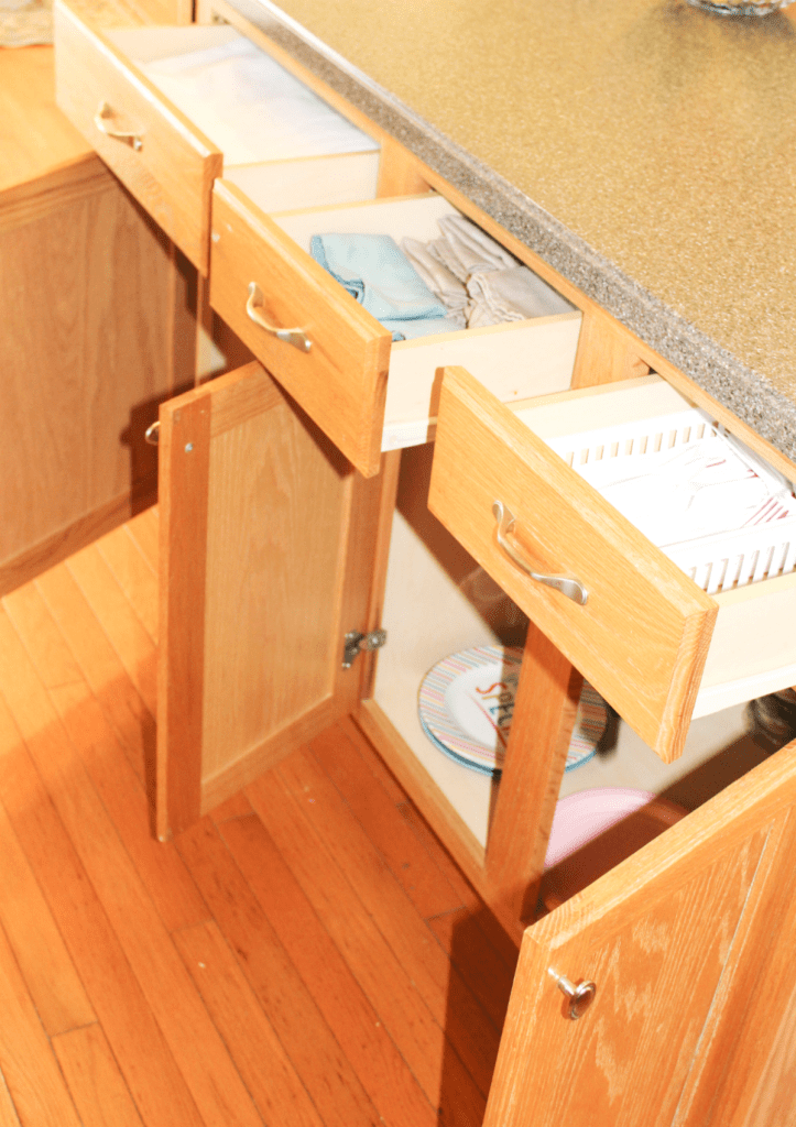 kitchen drawer organization - entertaining drawers