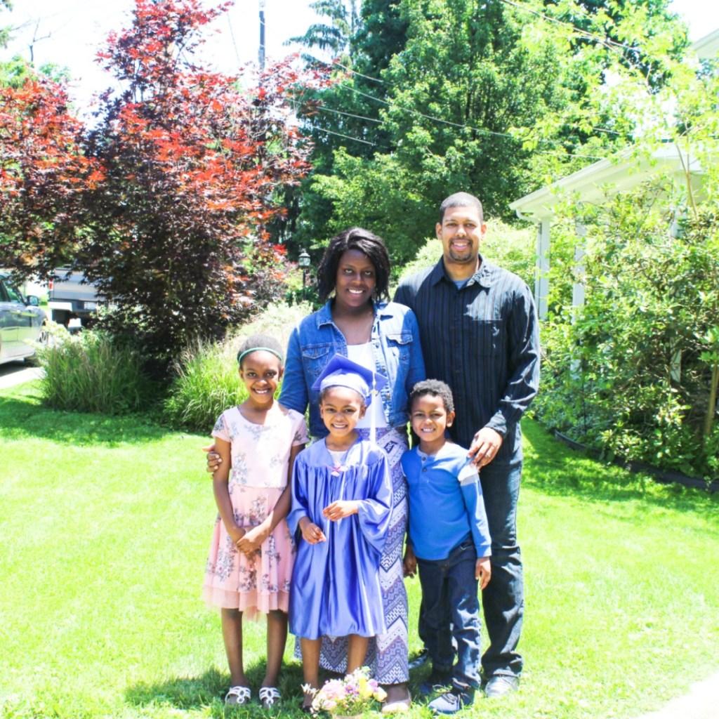 Kindergarten Graduation Photo Shoot - DIY Family Photos