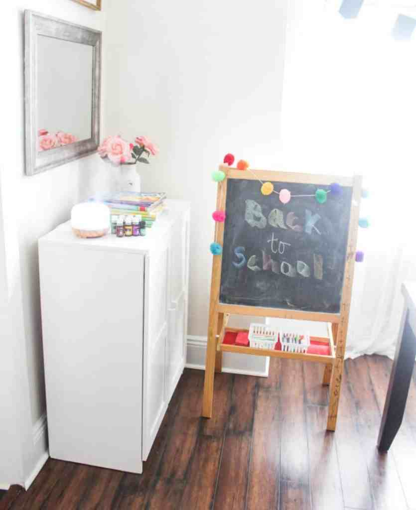 Back-to-School-Essenential-Oil-Rollers-Diffuser-Recipes-How-to-Calm-Back-to-School-Jitters-athomewithzan
