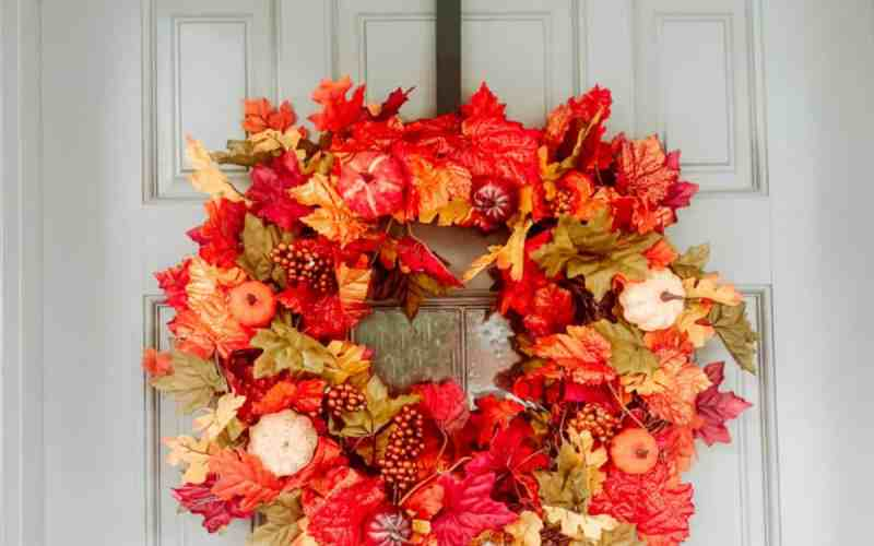 How to Make an Easy Fall Wreath – Video Tutorial