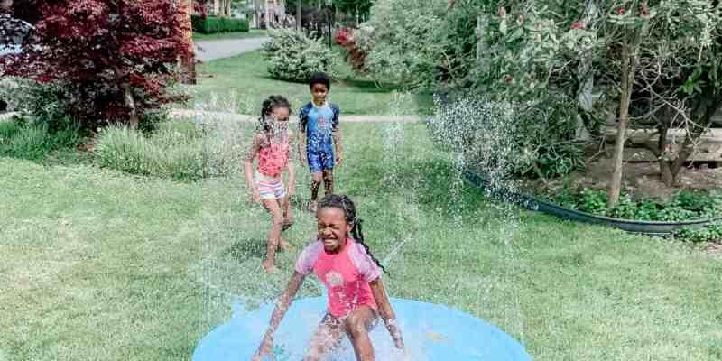 Water-Sprinkler-Splash-Mat-For-Kids-Water-Play-Ideas-for-Kids-Splash-Pad-Summer-Sprinkler-Water-Sprinkler-Summertime-Fun-for-Kids-athomewithzan-10.jpg