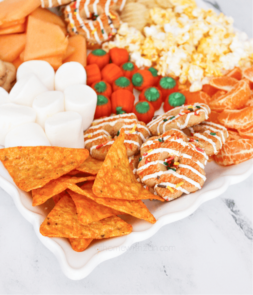 Fall-Charcuterie-Snack-Board-for-Kids-Fall-Snacks-Trays-for-Kids-Fall-Food-Ideas-Chacturie-Boards-Snack-Trays-for-Kids-Fall-Snack-Trays-for-Kids-athomewithzan-4.png