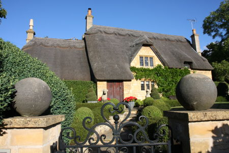 Beautiful Thatched Cottage - The Cotswolds, United Kingdom