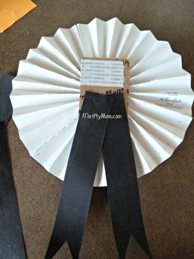 Pinwheel Ribbon From Glittered Cardstock