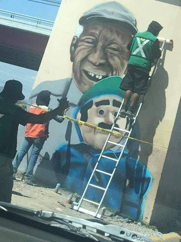 El colectivo de jóvenes artistas 'Graficaisen' pintaron un mural en honor a Don José Alfaro y su amigo el títere 'Beto'