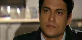 Raphael Vianna interpretando Hélio em Flor do Caribe