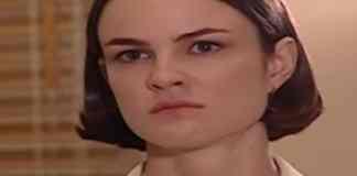 Carolina Kasting interpretando Laura em 'Mulheres Apaixonadas' (Canal Viva)