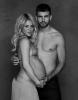 Shakira pozeaza aproape goala pentru a sustine o cauza UNCEF