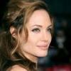 Angelina Jolie se preocupa de soarta femeilor din Congo