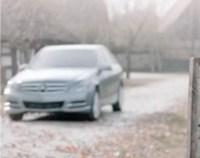 Video: Reclama controversata in care Hitler moare calcat de un Mercedes
