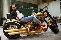 Cat costa cea mai scumpa motocicleta din lume?