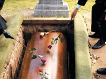 Ingropata de vie: s-a trezit in sicriu dupa ceremonia de inmormantare