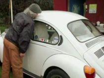 Un barbat britanic a facut sex cu peste 700 de masini