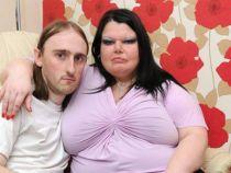 Cea mai geloasa femeie din Marea Britanie foloseste zilnic detectorul de minciuni pentru sotul ei
