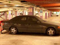 Amenzi de parcare in valoare de 14.000 £ pentru un Mercedes Benz