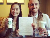 Tot mai multe cupluri din SUA se casatoresc in cafenelele Starbucks
