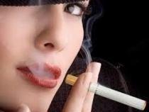 Reclamele la tigarile electronice au efect invers: cresc numarul de fumatori