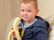 Un baiat de 2 ani a fost paralizat dupa ce a fost muscat de un paianjen din punga cu banane