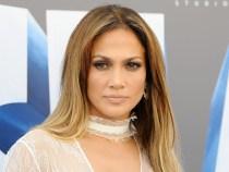 Jennifer Lopez donează 1 milion de dolari pentru victimele uraganului din Puerto Rico