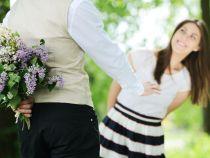 Ce ar trebui să știe orice bărbat despre momentele în care ar trebui să ofere flori