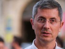 USR cere demisia lui Vela: Un act necesar menit să restabilească încrederea