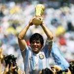Diego Maradona, depus la Palatul prezidenţial din Buenos Aires. Un stadion din Italia va purta numele fotbalistului