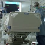 Tot mai multe paturi ATI, destinate pacienților COVID, în detrimentul bolnavilor cronici, care nu mai găsesc locuri în spitale