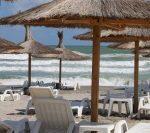 Turiștii vor putea sta la plajă, la mare, fără mască, de la 1 iunie, anunță premierul Florin Cîțu | AUDIO