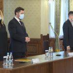 Reprezentanții AUR au întârziat la întâlnirea cu Iohannis. Viitoarea senatoare Șoșoacă a purtat masca de protecție sub nas