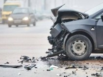 Bihor: Accident între patru mașini. Șase persoane, transportate la spital