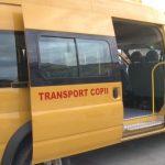 Gorj: Persoanele care se vaccinează, transportate la centre cu microbuzele școale | AUDIO