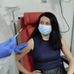 Primul medic vaccinat din Vrancea a spus că s-a imunizat pentru siguranța sa și a familiei sale | AUDIO