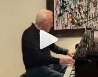 Anthony Hopkins,  la pian de Ziua Îndrăgostiților | VIDEO